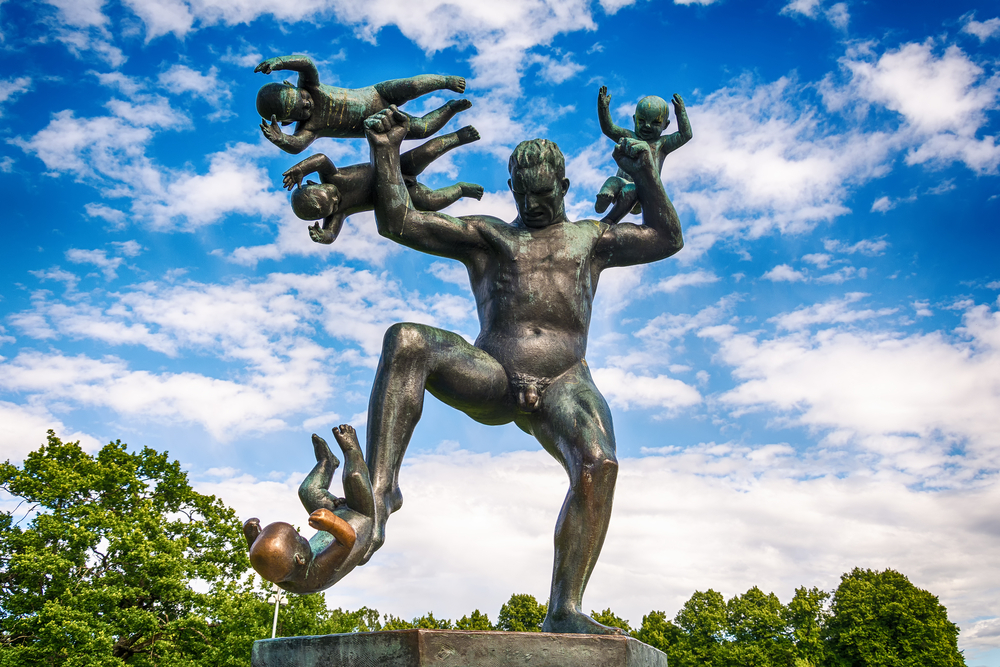 Gustav Vigeland in Vigeland park features more than 200 sculpture © Nenad Nedomacki / Shutterstock