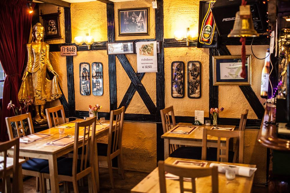 Warunee Dining Room / Courtesy of Warunee