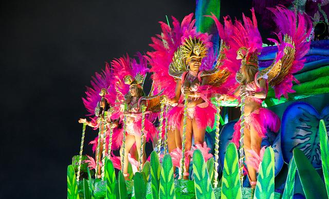 Music and colors at carneval in Brazil I © Nicolas de Camaret/Flickr