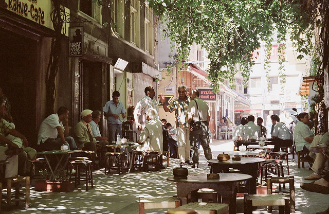 Beyoğlu's café culture | © Pete/Flickr
