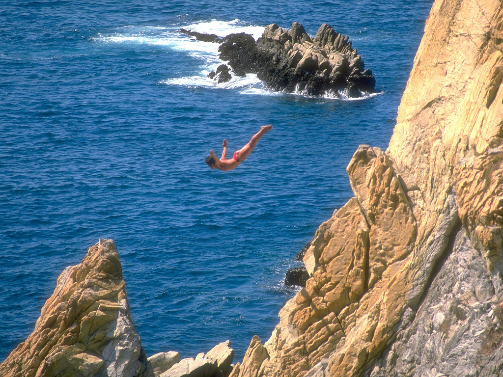 La Quebrada cliff divers © Jack Fiallos/Flickr