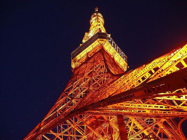 Tokyo Tower I © kobakou/Flickr