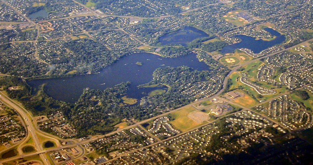 Crystal Lake, Burnsville | © WorldIslandInfo.com/Flickr
