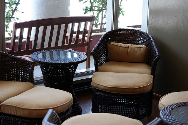 Comfortable Outdoor Lounge | ©Niall Kennedy/Flickr