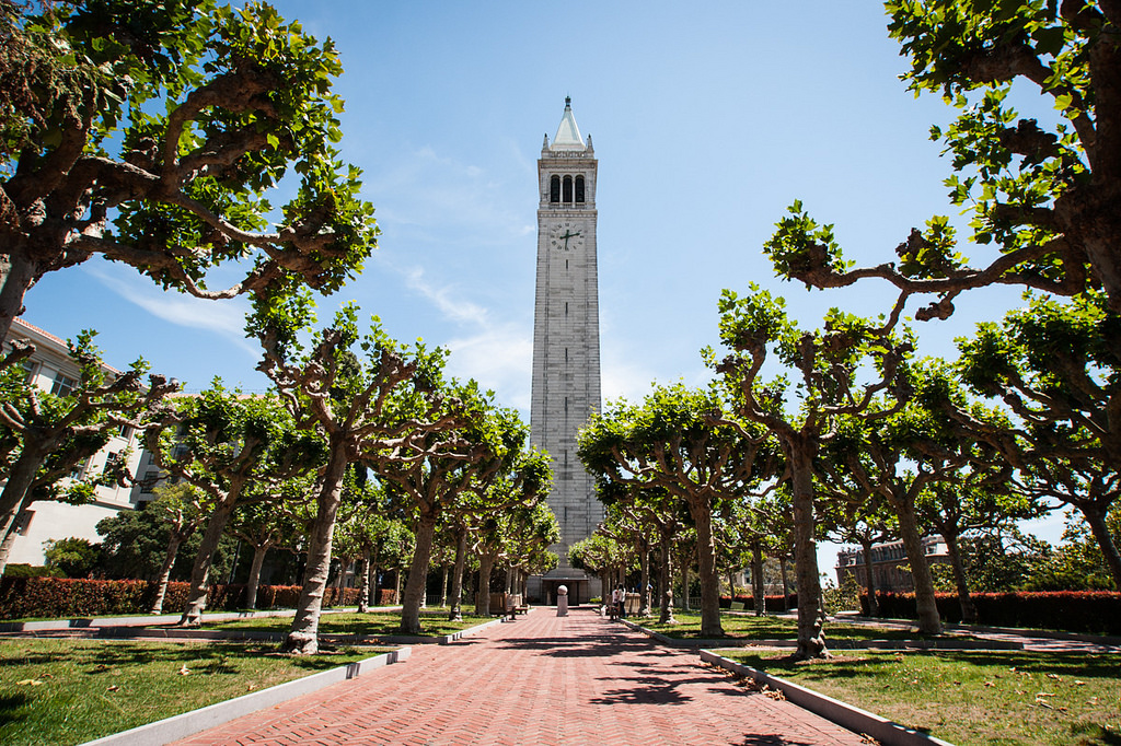 Sather Tower, Berkeley, CA | © garberus/Flickr