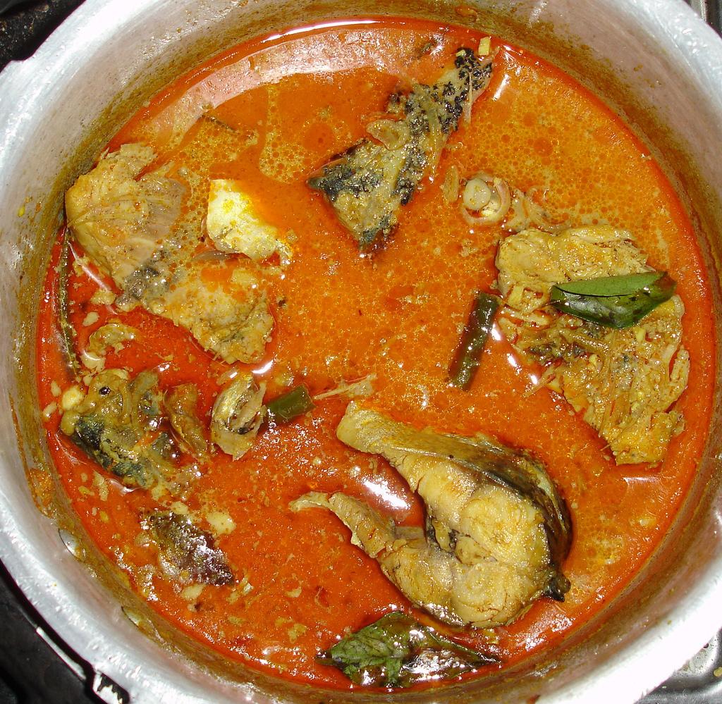Mackerel Curry -by Hafees |© rovingI/Flickr
