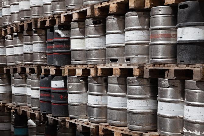 Wall of Kegs | © Pixabay