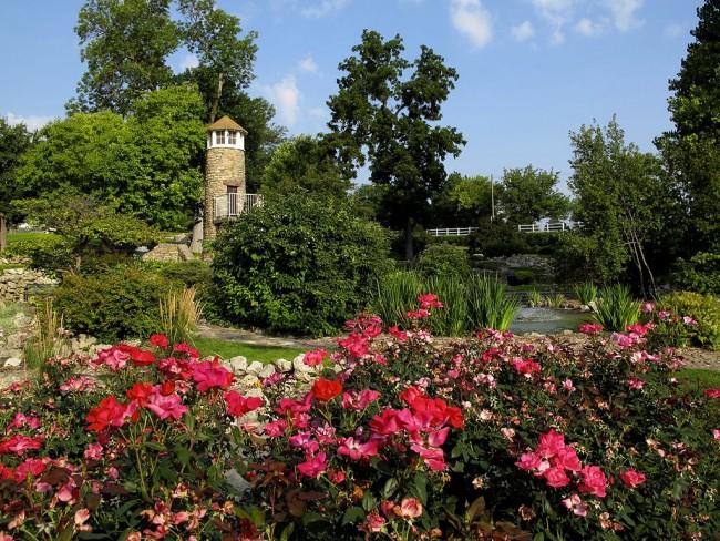 Rock Garden Lighthouse, Kearney, NE   © C.S. Imming/WikimediaCommons