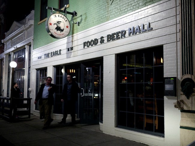 The Eagle Food and Beer Hall | © 5chw4r7z/Flickr