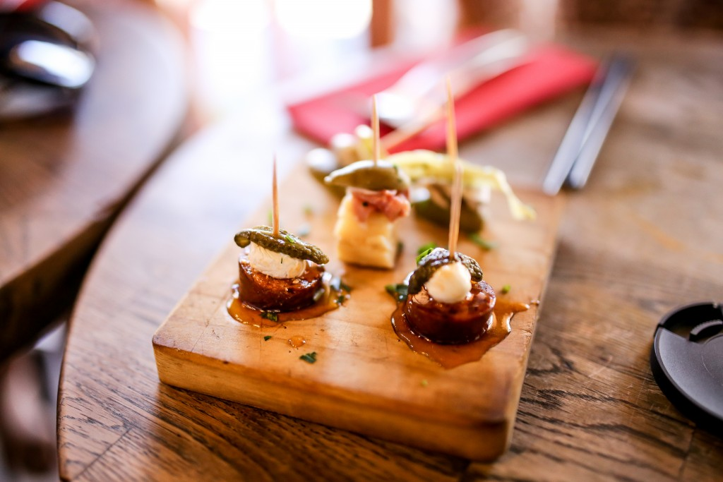 Tapas, cocktails| © Terence Lim/Flickr