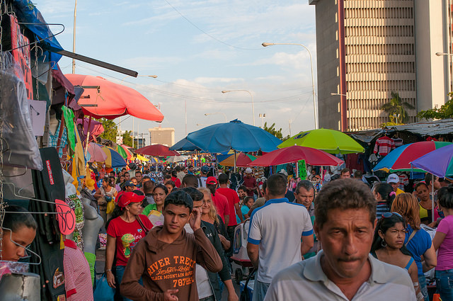 Colorful market in Maracaibo I © Wilfredo Rodríguez/Flickr