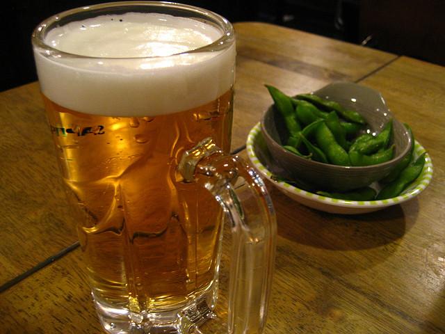Beer & Edamame © Jeremy Keith|Flickr