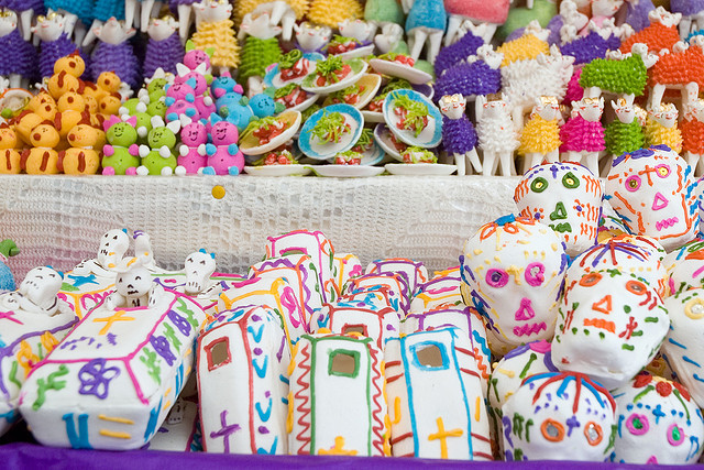 Day of the Dead sweets © Paul Asman and Jill Lenoble/Flickr