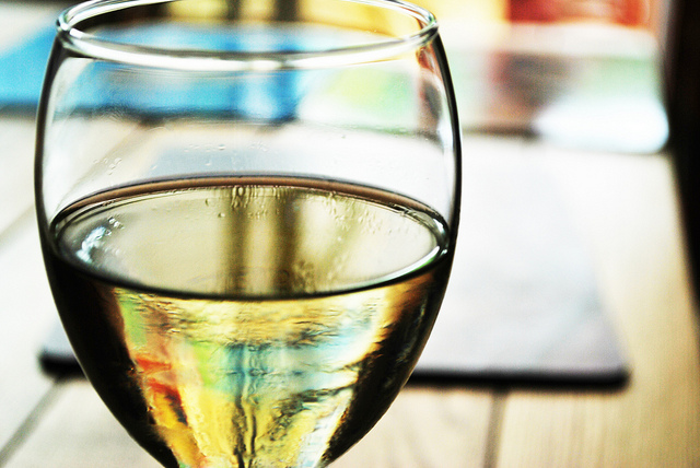 White wine I © Luke Gray/Flickr