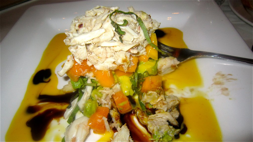 Crab Salad Tower |© Anokarina/Flickr