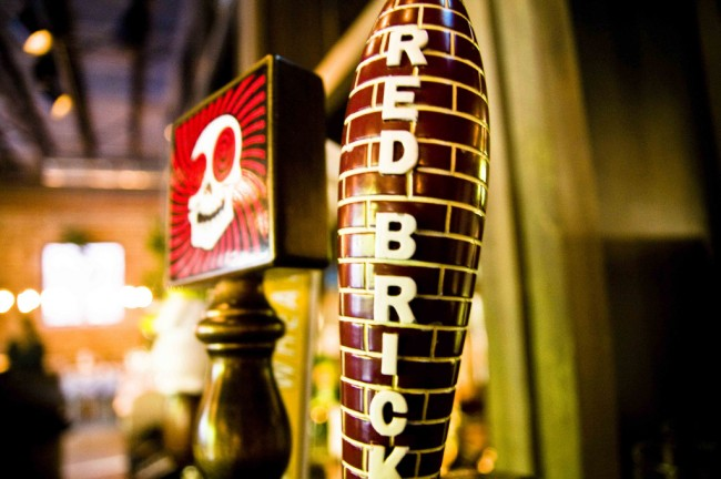 Red Brick beer tap © TheDigitel Beaufort/Flickr