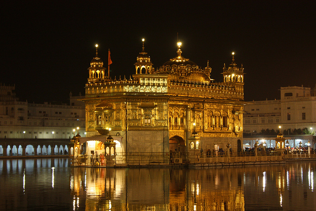 Amritsar, Golden Temple | © Arian Zwegers/Flickr