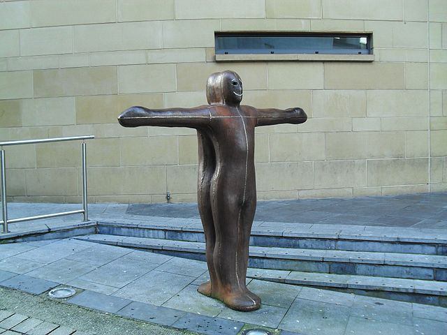 Antony Gromley, Sculpture for Derry Walls | © Dean Molyneaux / WikiCommons