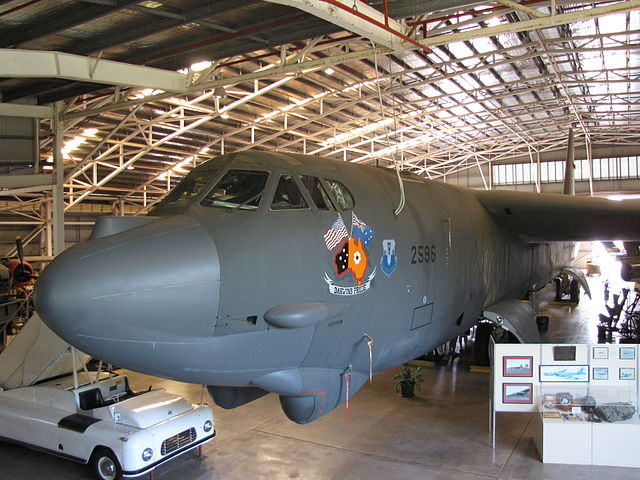 640px-USAF_B52_Bomber_(Darwins_pride)_at_the_Australian_Aviation_Heritage_Centre