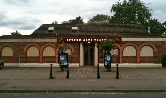 Sutton Arts Theatre © Sutton Coldfield Local/Flickr