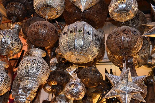 Sea of lanterns   © Christine Olson/Flickr