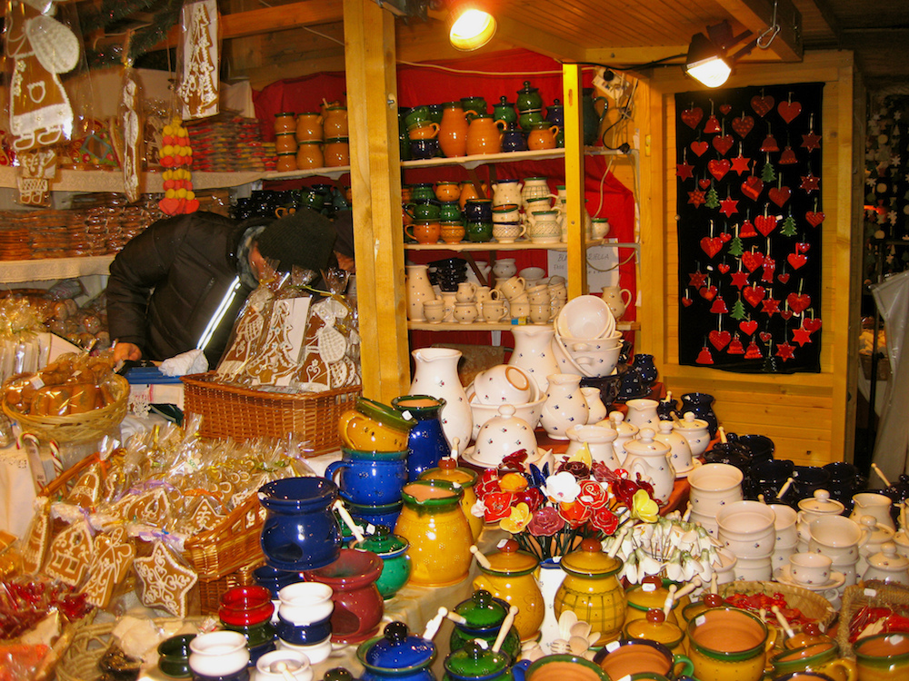 must visit christmas markets in budapest
