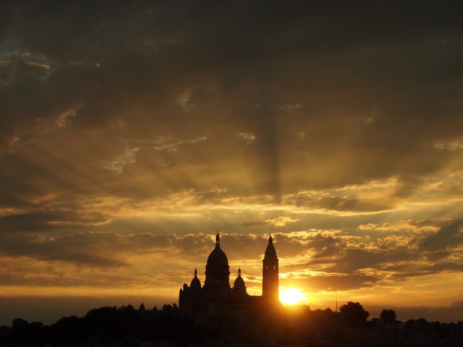 Sunset over Montmartre   © Francisco Gonzalez/Flickr