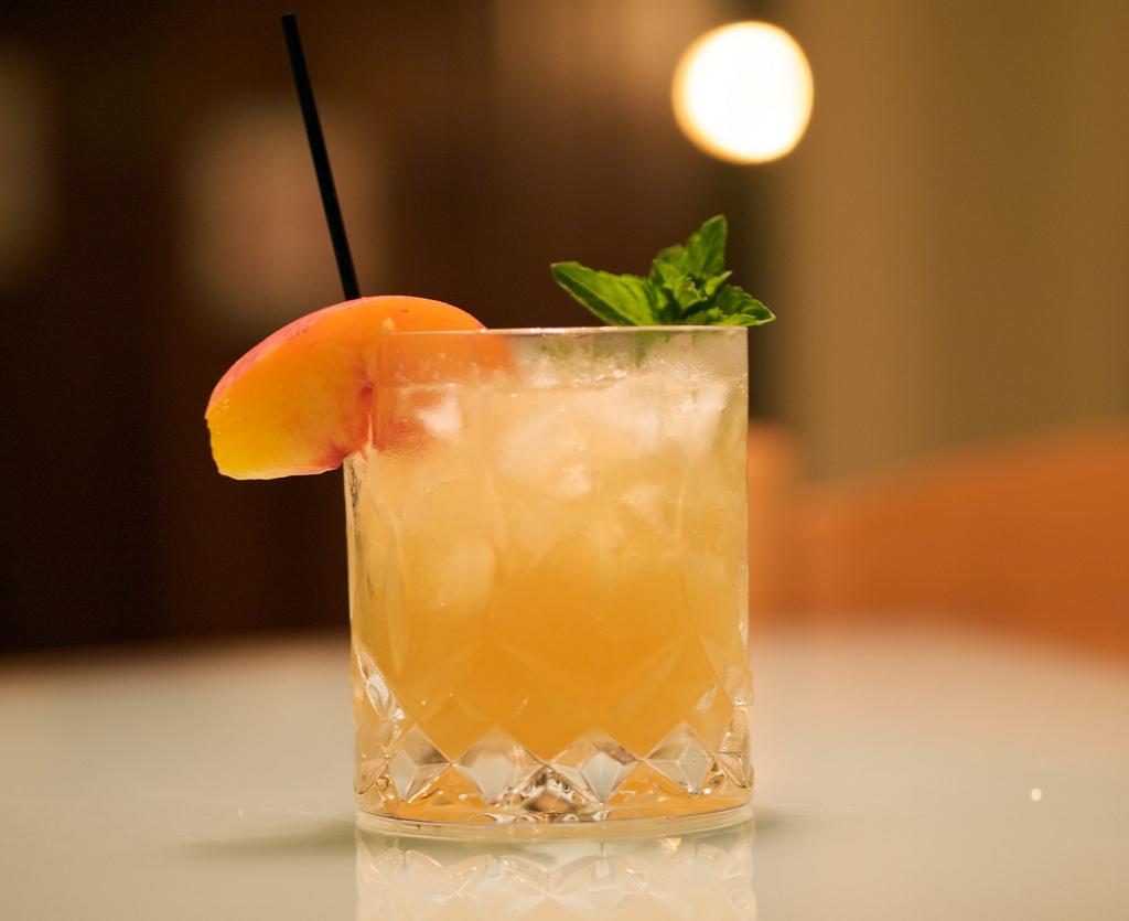 Cocktail © Michael KorcuskaFlickr