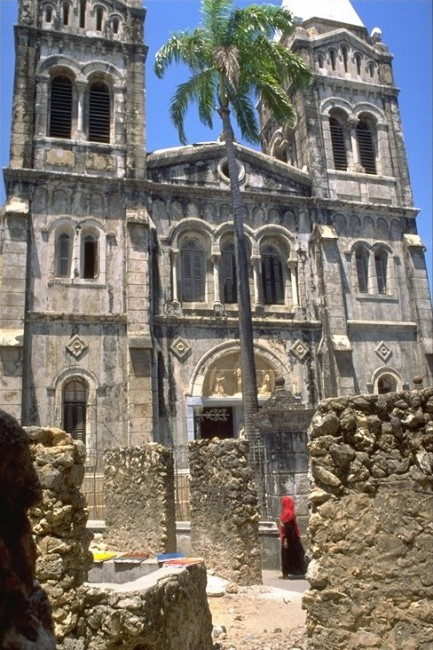 St. Joseph Cathedral | © Esculapio/WikiCommons