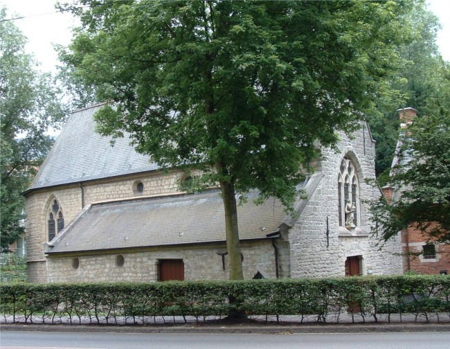 A chapel dating back from the 15th century | © G. Debognies/WikiCommons