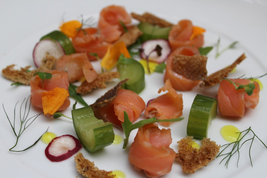 Citrus and dill dill cured salmon gravalax, gin compressed cucumber, pomello,lemon gel and melba toast | Courtesy of Tres