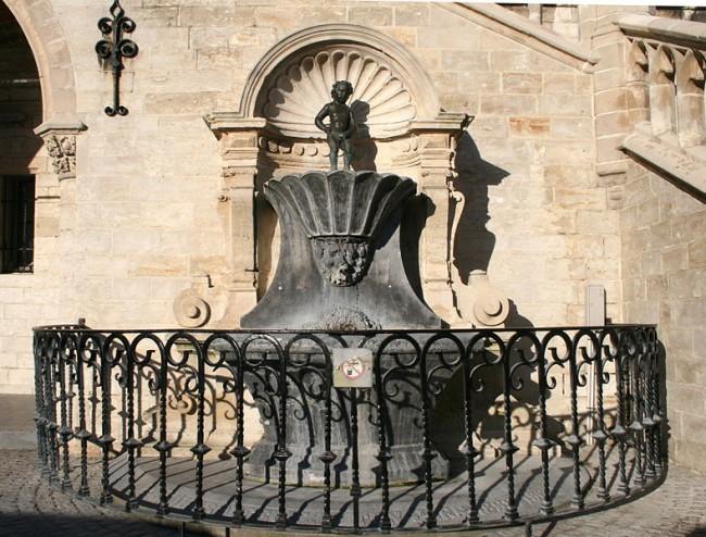 Fountain of Manneke Pis in Geraardsbergen|© Jean-Pol GRANDMONT/Wiki Commons