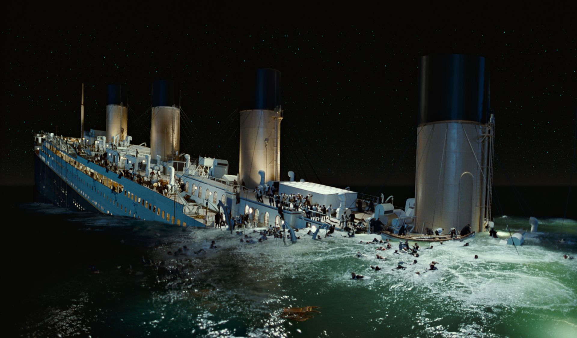 Of pictures sinking the titanic