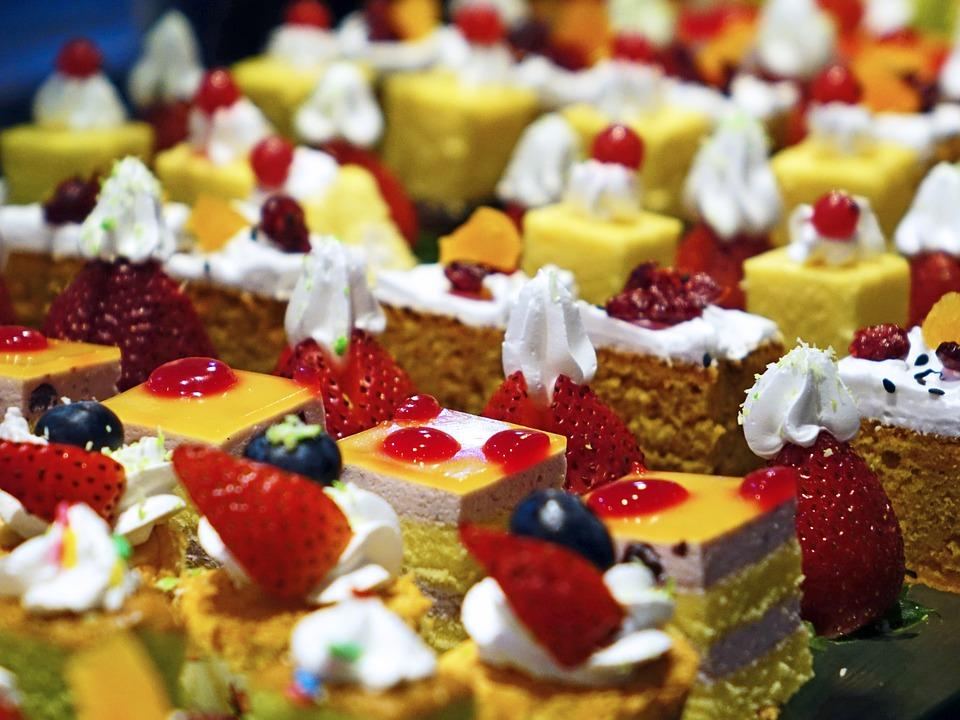 cakes-489849_960_720