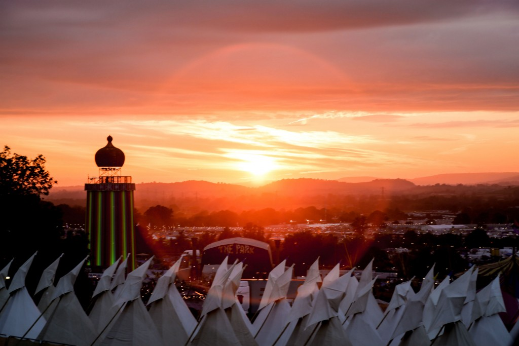 Glastonbury Festival   © Anna Barclay