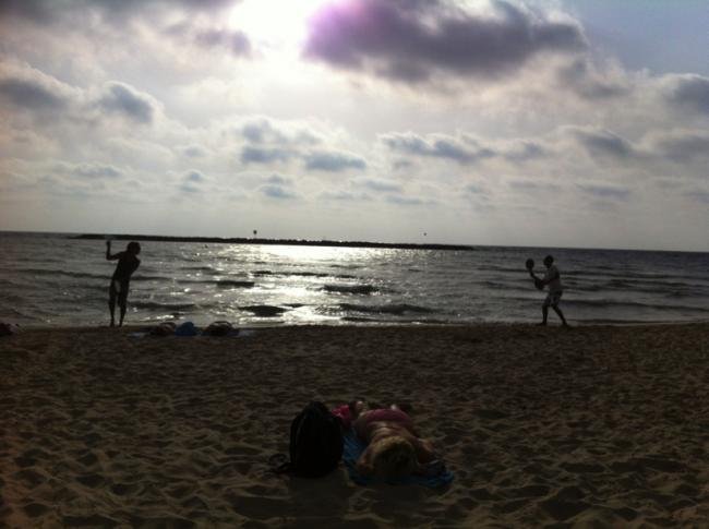 Beach in Tel Aviv | © Eliana Rudee