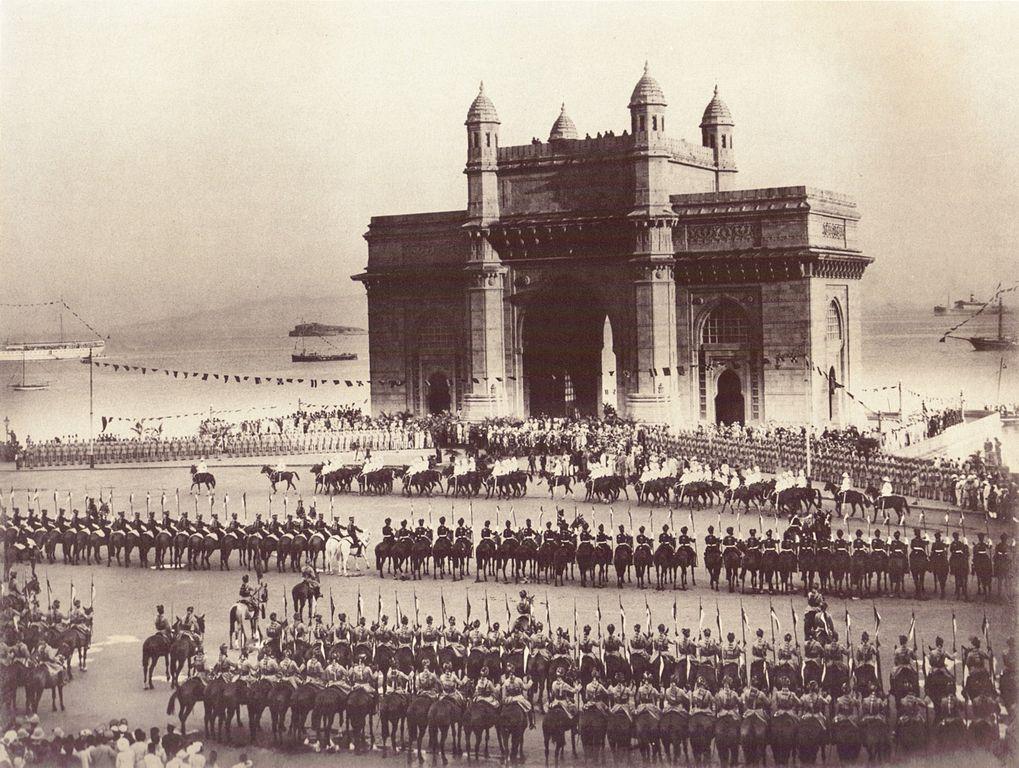 The Gateway of India, Bombay 1911/©Myers Brothers/WikiCommons