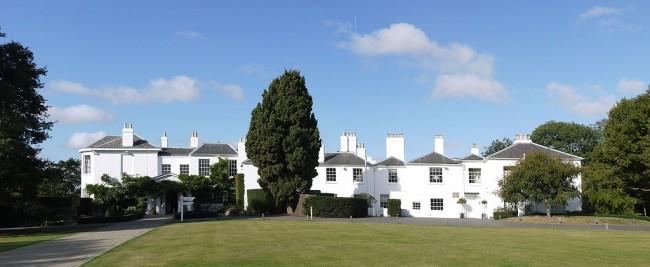 Pembroke Lodge, Richmond Park, London, Russell's childhood home / ©Patche99z / Wikicommons /