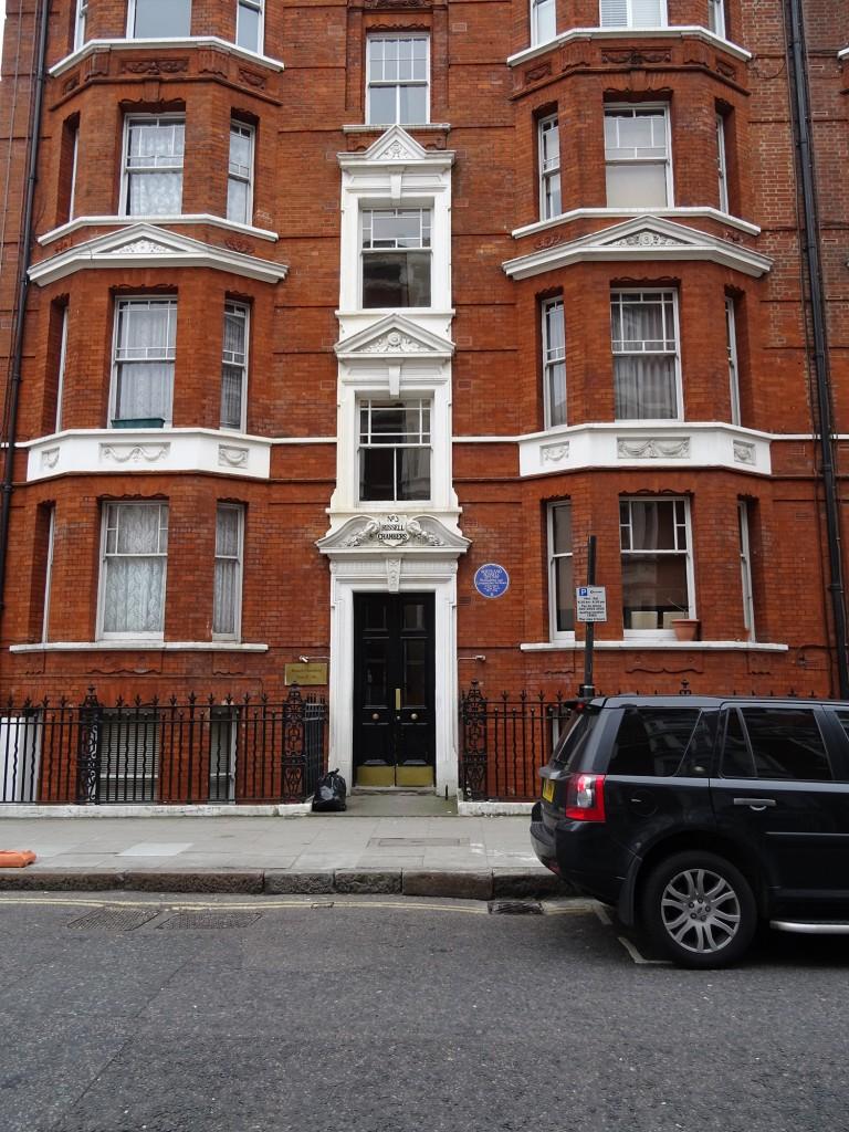 Russell's London Flat / ©Spudgun67/ WikiCommons