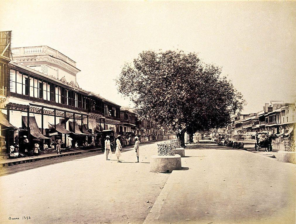 Chandni Chowk, Delhi, 1863-67/©Samuel Bourne (1832-1912)/WikiCommons