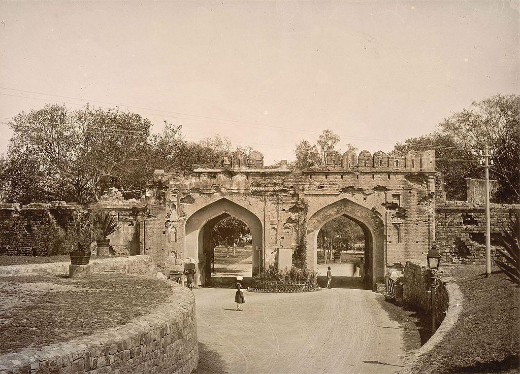 Kashmiri Gate, Delhi in the 1890s/© Lala Deen Dayal (1844-1905)/WikiCommons