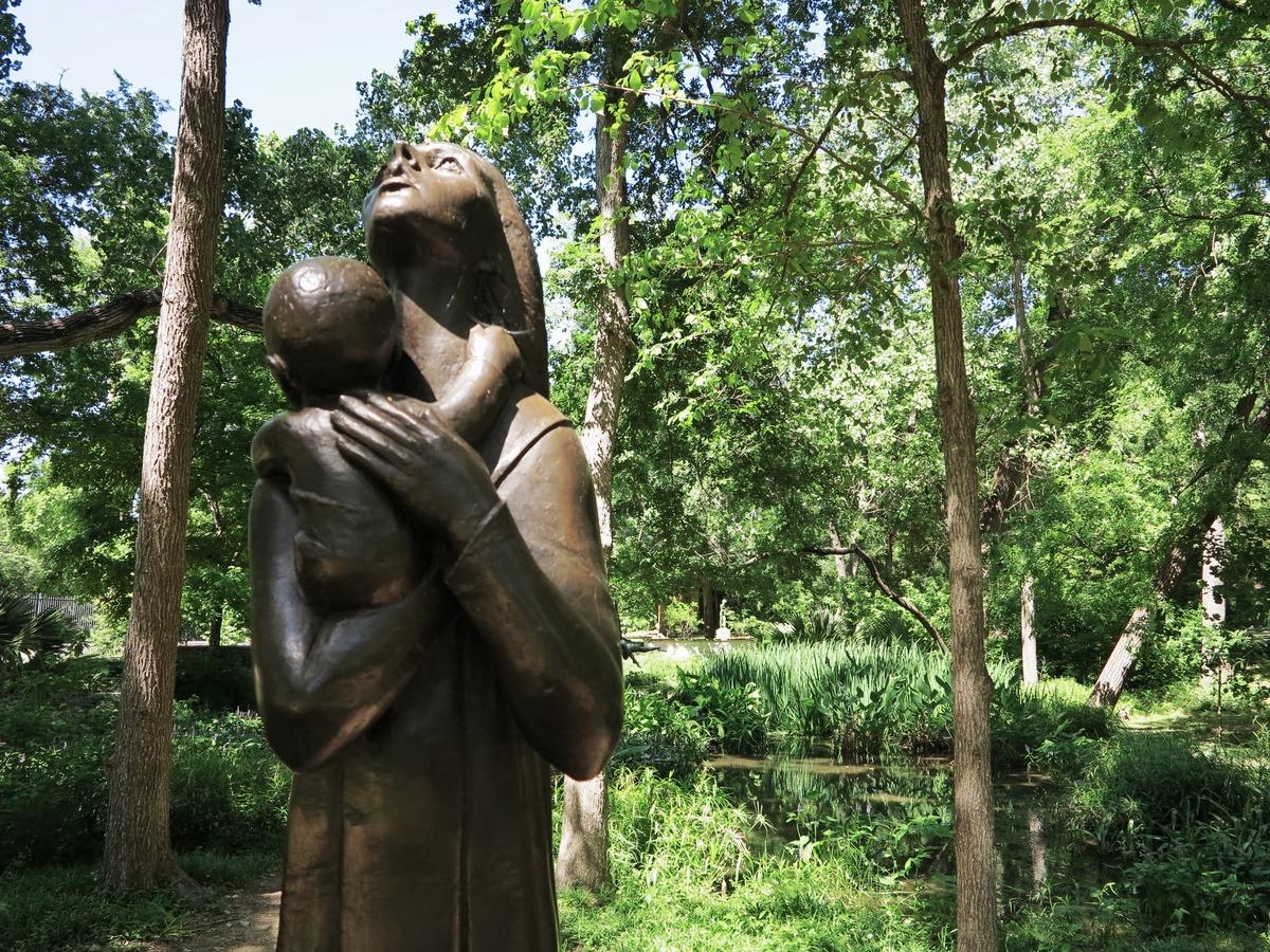 Mother And Child, By Charles Umlauf. Umlauf Sculpture Garden   © Jenaveve  Hunter