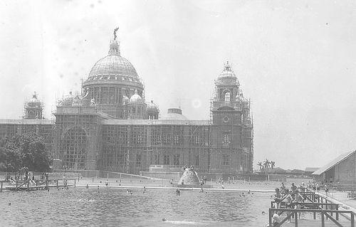 Victoria Memorial- construction in progress, Kolkata 1940s/©Unknown/WikiCommons
