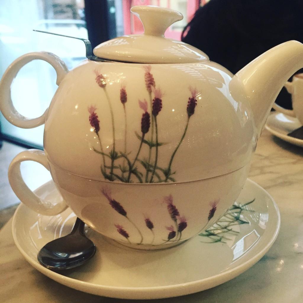 Pot of Tea at Oolong   © Mary Sheehan