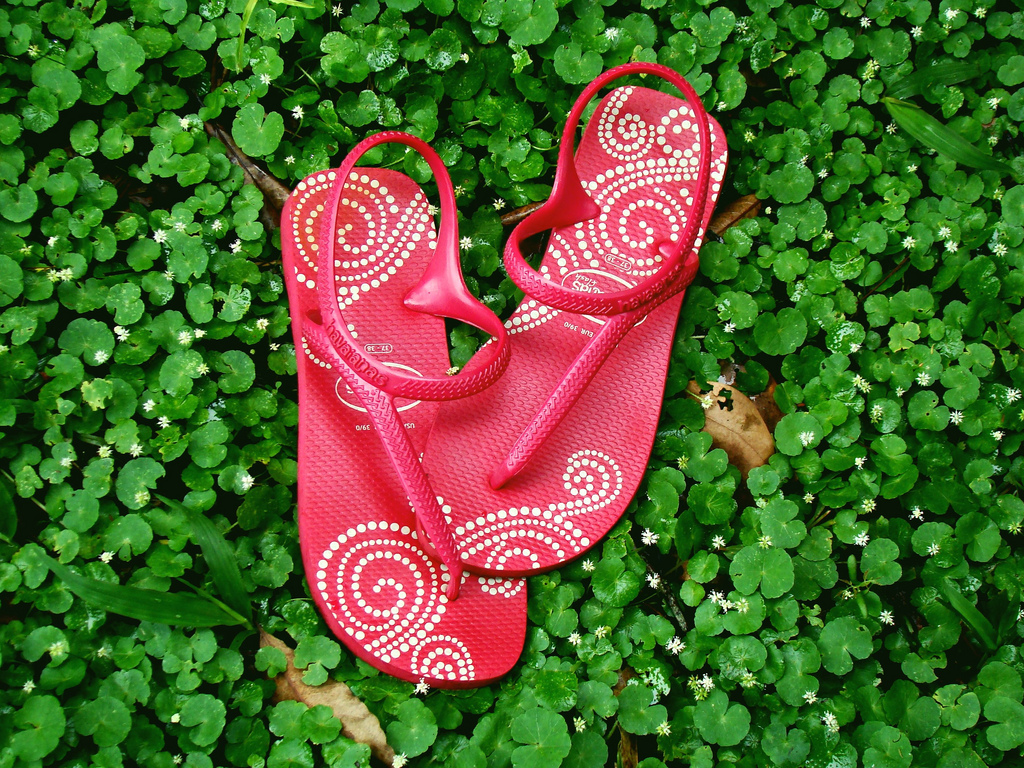 Havaianas are used casually or for dressed-up occasions |© Ana_Cotta/Flickr