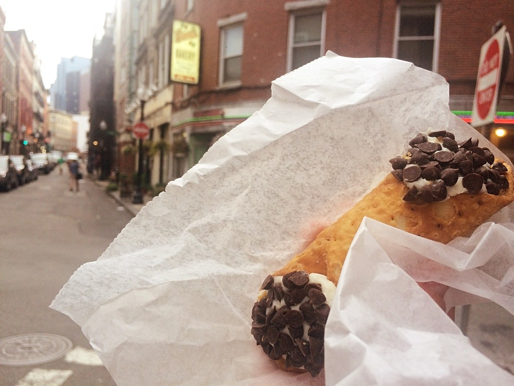 Cannoli from Bova's | ©Casey Campbell