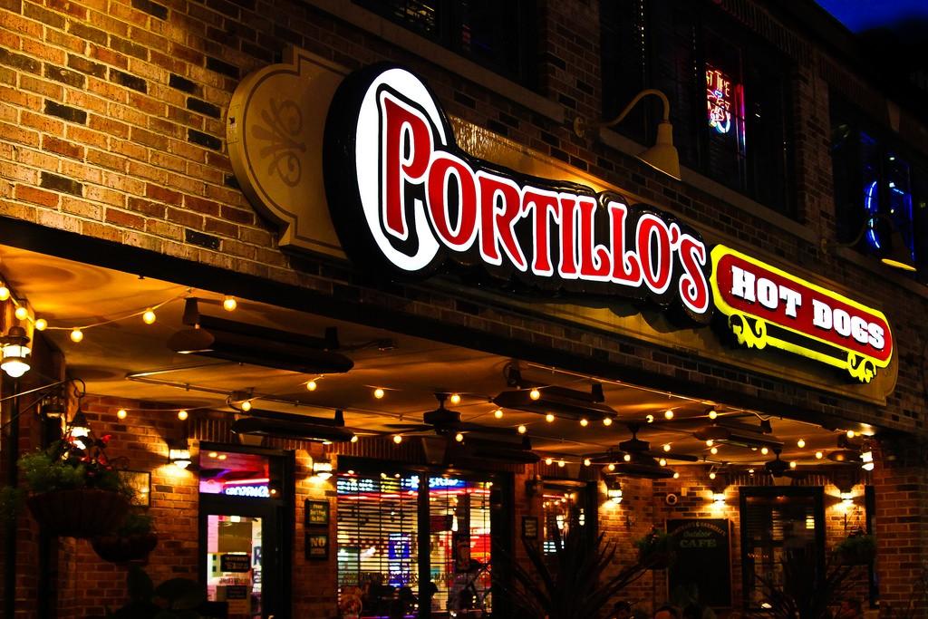 Portillo's Hot dogs, courtesy of Flickr: odonata98