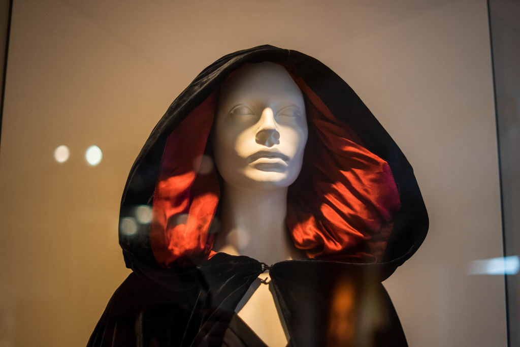 Fashion Exhibit | © Paul Hudson/Flickr