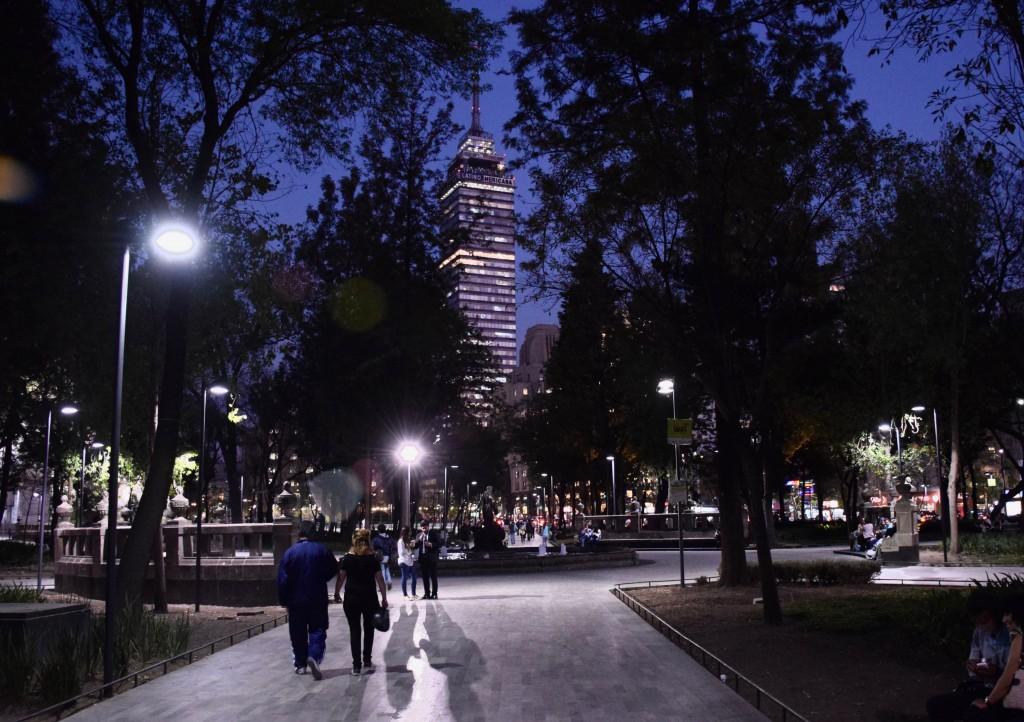 Torre Latinoamericana from Alameda Central | © Dan/Flickr