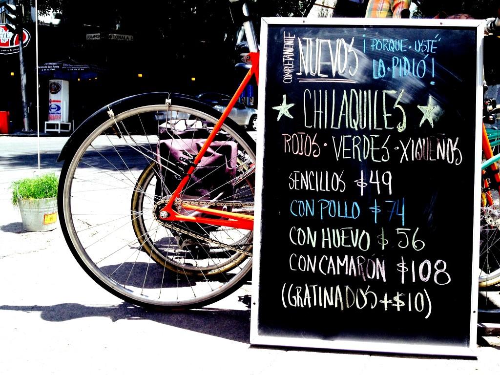 Advertising chilaquiles | © La Cadencia Lonchería/Flickr
